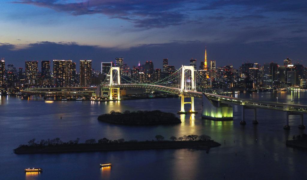 フジテレビ展望室から、レインボーブリッジと東京タワー