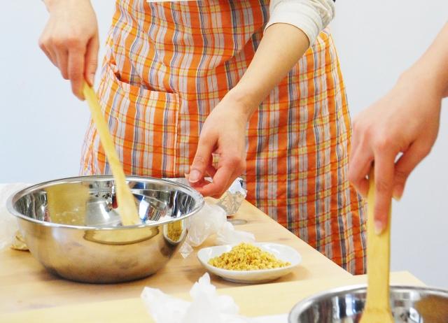 ダッチオーブンでパン作り