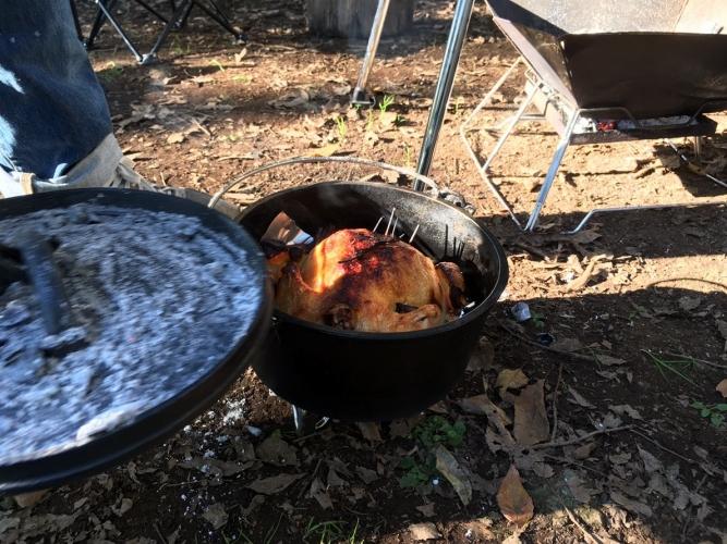 ダッチオーブン丸鶏のロースト